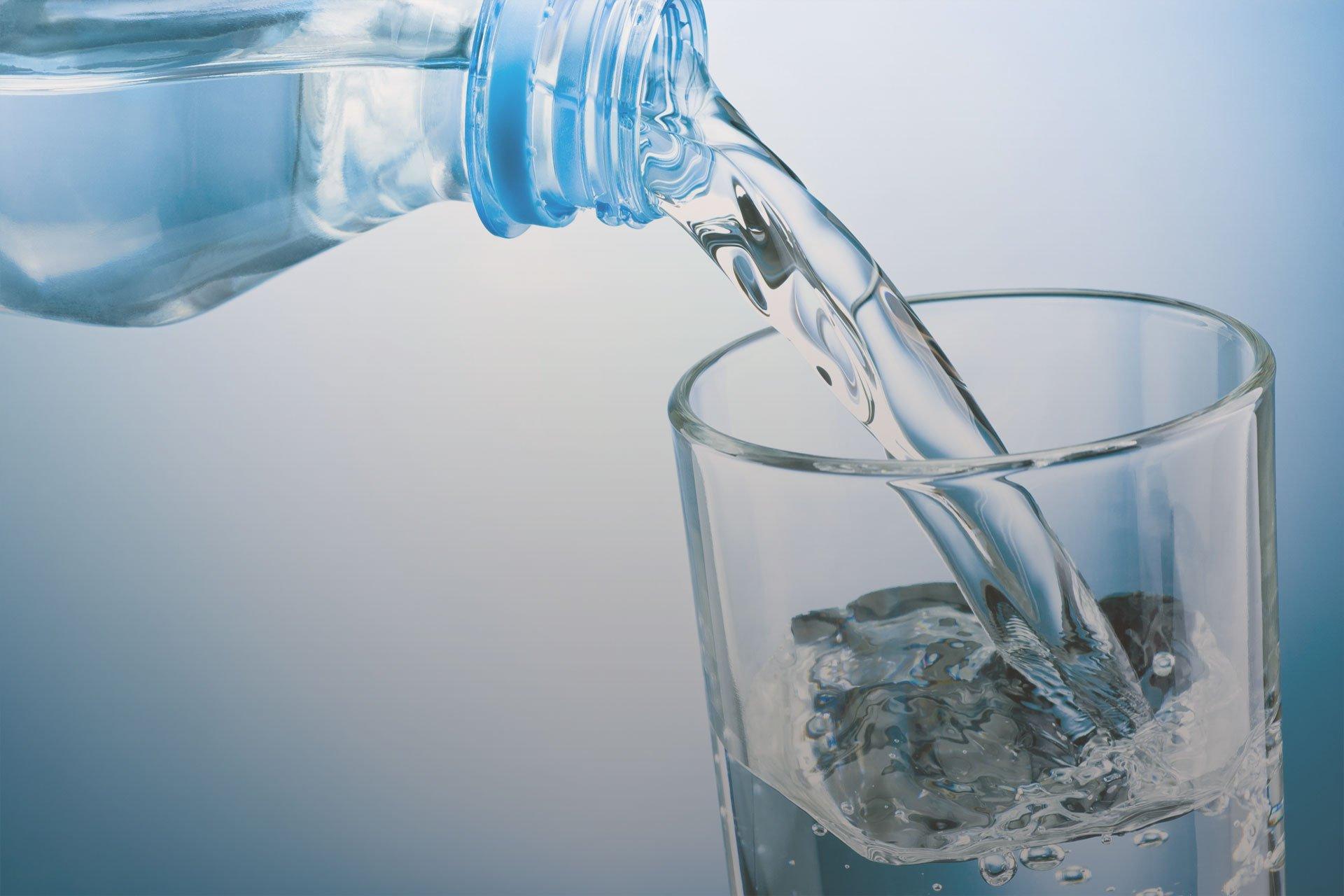 Quanta acqua bere durante il giorno